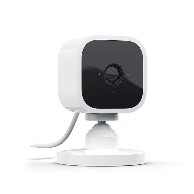 Blink Mini – eine kompakte, intelligente Plug-in-Überwachungskamera für den Innenbereich mit 1080p HD-Video und Bewegungserfassung, die mit Alexa