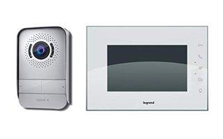 , Video-Türsprechanlage mit 2-Draht-Anschluss, 7 Zoll Hochglanz-Farbmonitor und Weitwinkelkamera, 1-/2-Familienhaus-Set, 369230